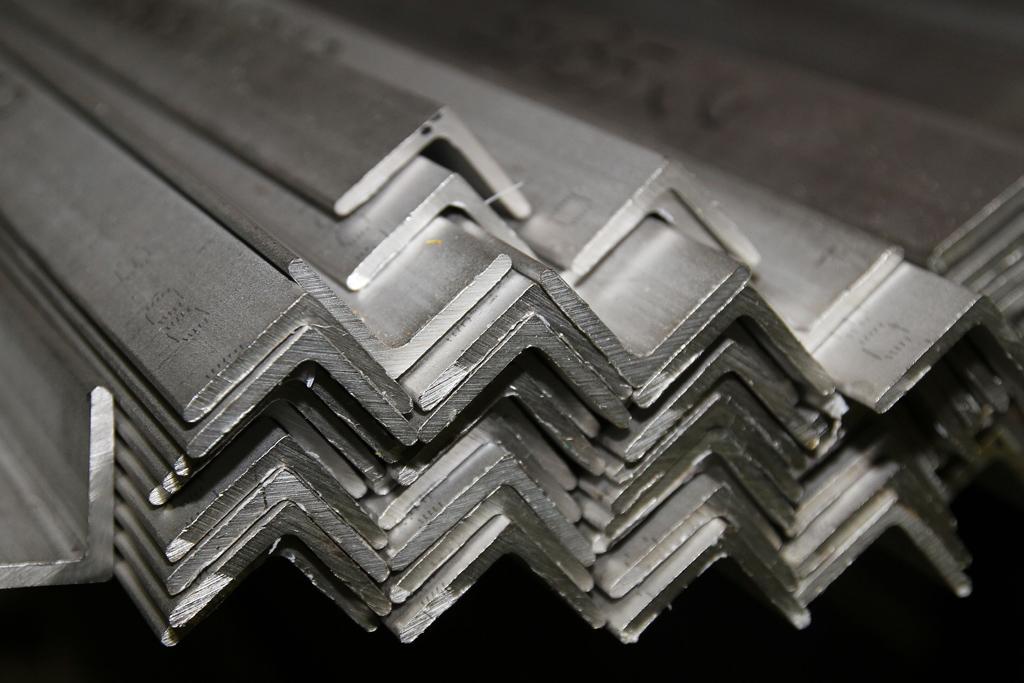 Angulos perfiles y pletinas inoxidables rico for Casetas de hierro galvanizado